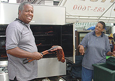 Hick'ry Stick kept busy serving their Hickory Smoked Ribs and Pulled Pork. These ribs are fantastic, and that's not just according to Ron and Mary Foster, either! To order your ribs, contact Hick'ry Stick at (309) 685-7600.