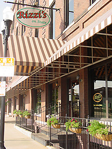 112 State St.<br> Peoria, IL 61602<br> (309) 673-2500<br><br> Rizzi' s on State is located near the downtown Post Office.<br> <br> Hours:<br>Monday thru Thursday 4:30 - 9:30 pm<br>Friday & Saturday from 4:30 - 10:30 pm<br> Sunday - Available for Private Parties of 40 or more.<br><br> You may also like to visit our other Rizzi's restaurant at 4613 N. Sheridan Rd. in Peoria. <br>